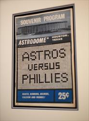 ASTROS VS PHILLIES ASTRODOME SOUVENIR PROGRAM 25C